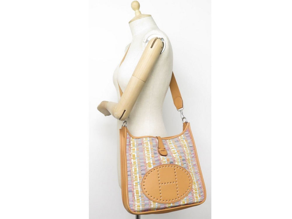 05937e3f19 SAC A MAIN HERMES EVELYNE VIBRATO RARE BESACE BANDOULIERE TOILE & CUIR HAND  BAG. Next